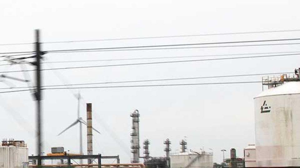 Rotterdamse lucht 20% schoner door zwavelzones